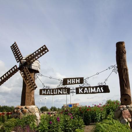 "Amusement Park ""Village of Mills"""